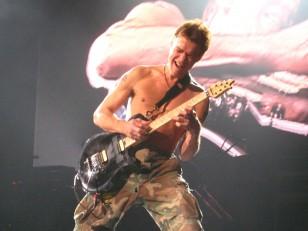 Eddie_Van_Halen_2007-11-10