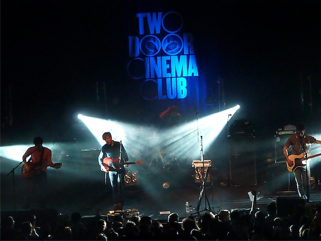imagen Two Door Cinema Club lanza dos episodios de su documental