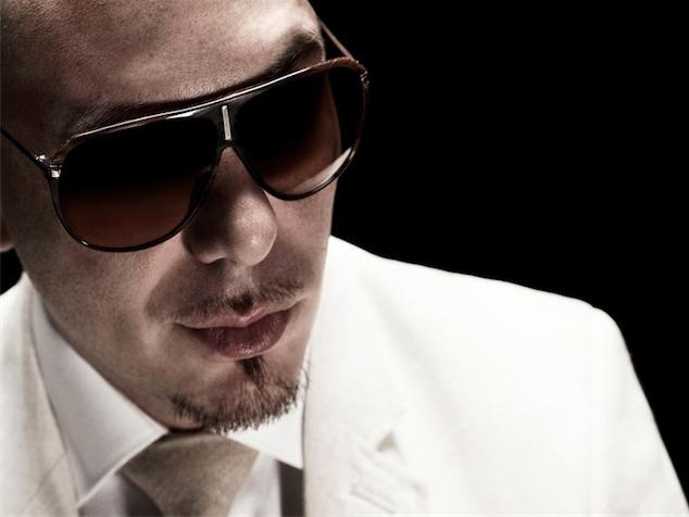 imagen Pitbull ficha a Ángel y Khriz para producir su nueva producción