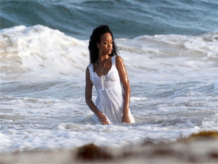 rihanna-face-of-barbados-07-christal_rock