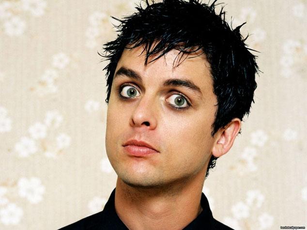 imagen Cantante de Green Day fue llevado de urgencia al hospital
