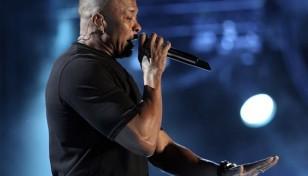 Dr+Dre+2012+Coachella+Music+Festival+Day+3+vlMCf64Gt7hl_1