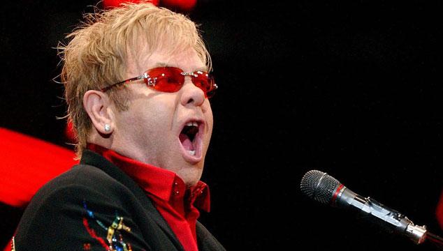 imagen Confirman a Elton John en el próximo Festival de Viña del Mar