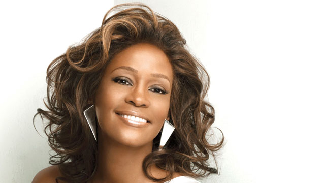 "imagen Estrenan una versión de ""I Look to You"" de Whitney Houston a dúo con R. Kelly"
