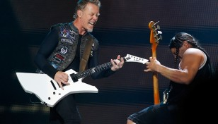 james-hetfield-y-robert-trujillo-de-metallica-en-serbia-el-8-de-mayo