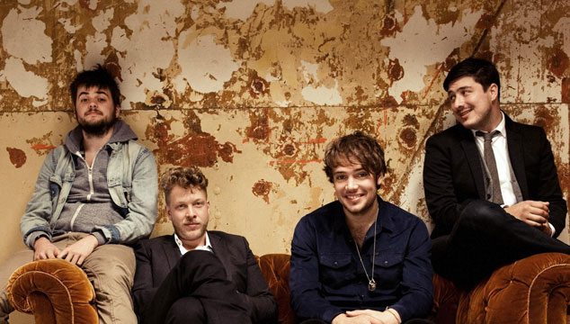 imagen Mumford and Sons rompe records con su banjo en la cartelera Billboard
