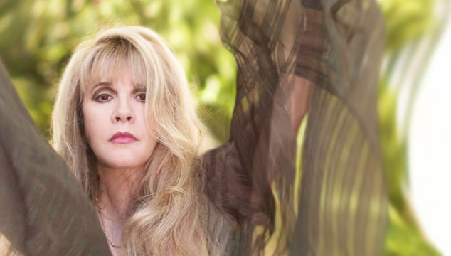 """imagen Stevie Nicks se disculpa por comentar sus deseos de """"estrangular"""" a Nicki Minaj"""