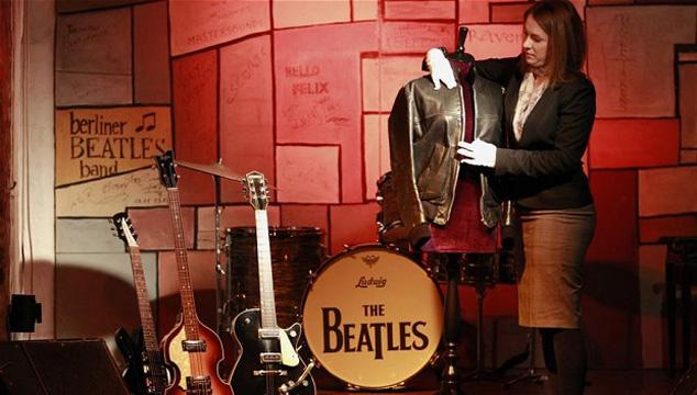imagen Subasta de Bonhams incluirá guitarras y chaquetas de los Beatles