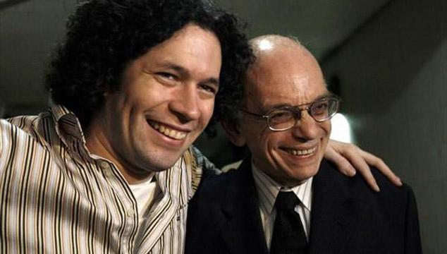 imagen El Maestro José Antonio Abreu y Gustavo Dudamel reciben el premio 'Musical America'