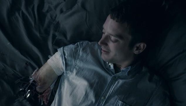 imagen NUEVO VIDEO: Frodo sin un brazo se droga