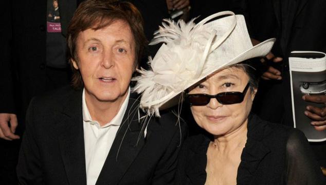 imagen Ono agradece a McCartney no haberla culpado por separación de los Beatles