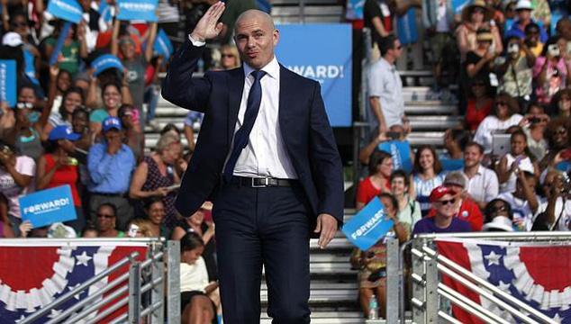 imagen Pitbull pide el voto por Obama en Florida