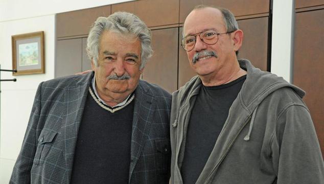 imagen Silvio Rodríguez respalda iniciativa uruguaya de legalizar la marihuana