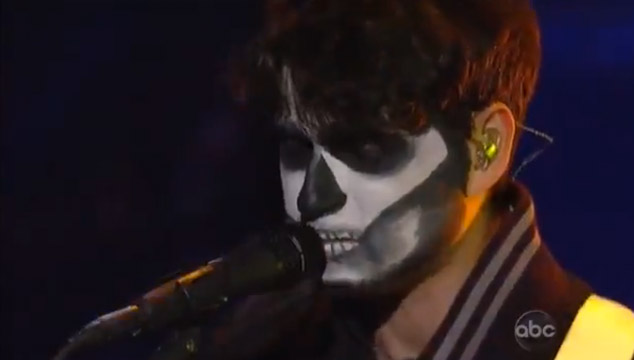 imagen Vampire Weekend interpreta nueva canción en el show de Jimmy Kimmel (VIDEO)
