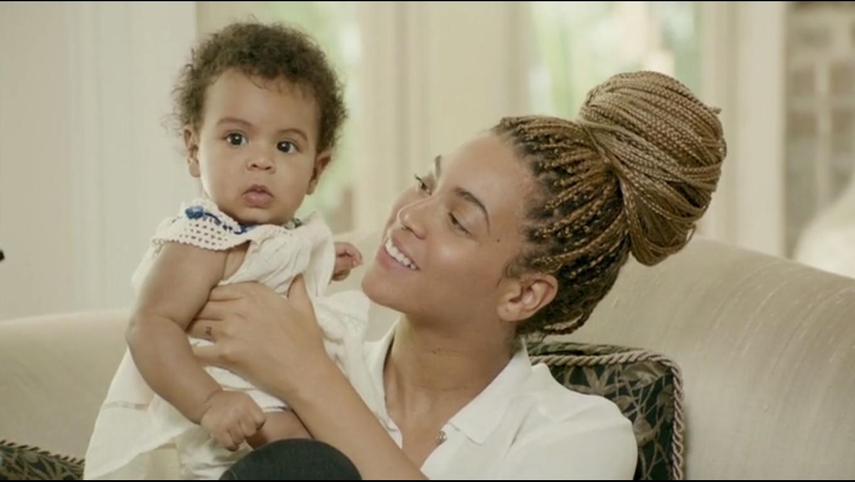 imagen Beyoncé subió al escenario a su hija durante un concierto