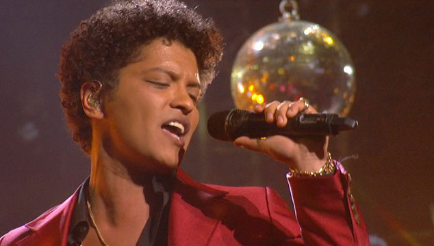 imagen NUEVO VIDEO: Bruno Mars estrena video ochentoso