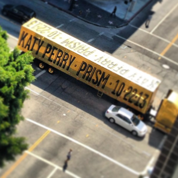 katy-perry-prism-truck