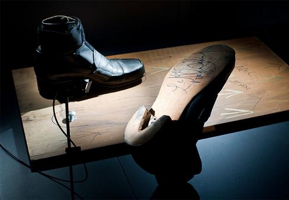 3-Michael-Jackson's-Anti-Gravity-Shoes