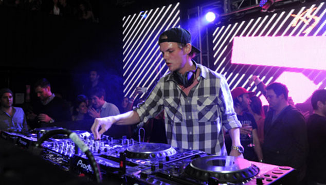 "imagen Avicii estrena lyric video para ""You Make Me"""