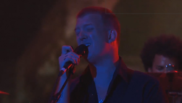 imagen Mira la presentación de Queens of the Stone Age en Jimmy Kimmel (VIDEO)