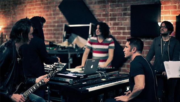 imagen Escucha una semana antes de su lanzamiento 'Hesitation Marks', el nuevo disco de Nine Inch Nails