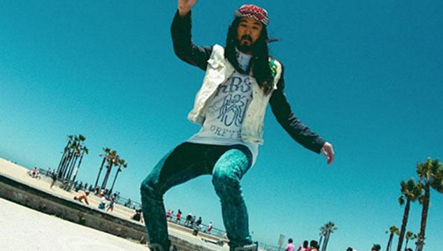 "imagen Steve Aoki se vuelve patinetero en su nuevo video ""Boneless"""