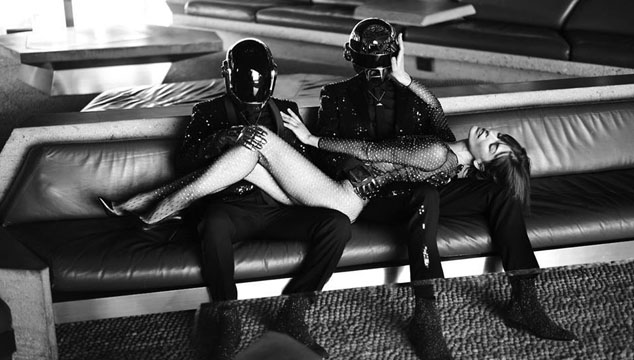 imagen Publican sesión de fotos de Daft Punk con Milla Jovovich