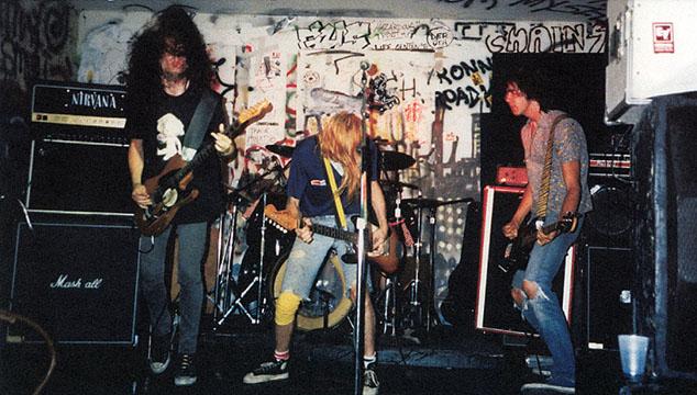 imagen Mira el documento original del primer contrato profesional de Nirvana con Sub Pop