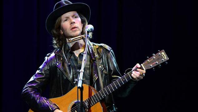 """imagen Beck estrena """"Wake Up"""", un nuevo tema en vivo (VIDEO)"""