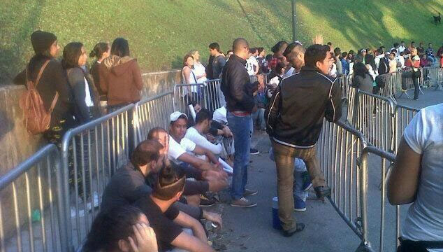 imagen Así está la cola para el concierto de Beyoncé en Caracas (FOTOS)