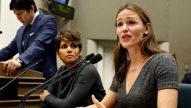 imagen Aprueban ley impulsada por Halle Berry y Jennifer Garner que protege a los niños de los paparazzis