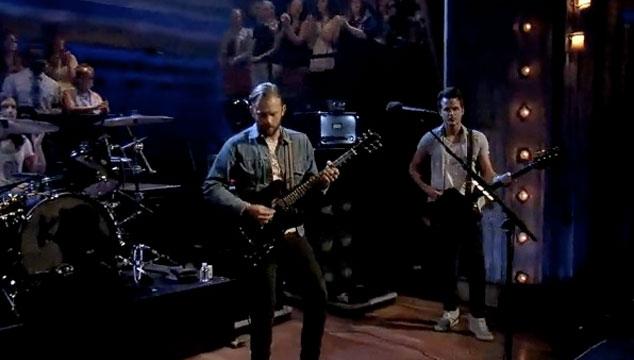 "imagen Mira a Kings of Leon tocando ""Temple"" en el show de Jimmy Fallon (VIDEO)"