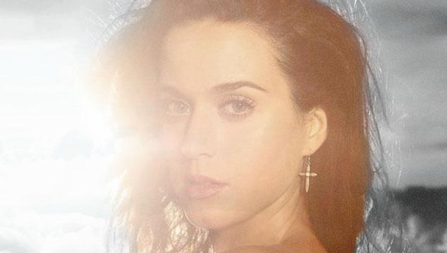 """imagen Escucha """"Walking on air"""", el nuevo tema de Katy Perry"""