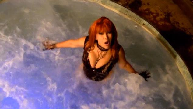 """imagen La Tigresa del Oriente se desnuda en su nuevo videoclip """"El sueño de la Tigresa"""""""