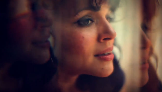 "imagen Norah Jones canta con su media hermana Anoushka Shankar en su nuevo video ""Traces of you"""