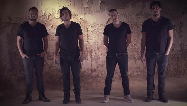 imagen VINILOVERSUS es seleccionada como banda Fender