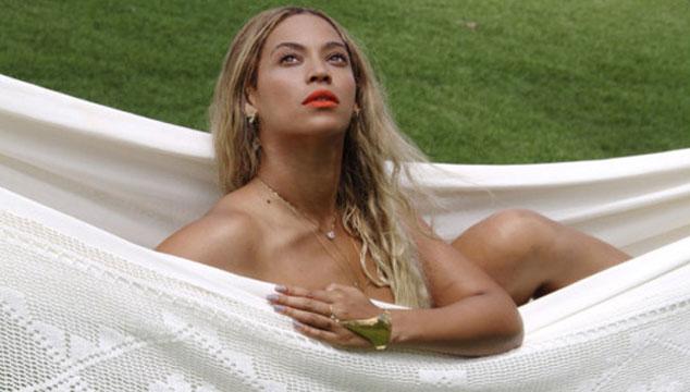 imagen Beyoncé publica tres provocativas fotos en Tumblr