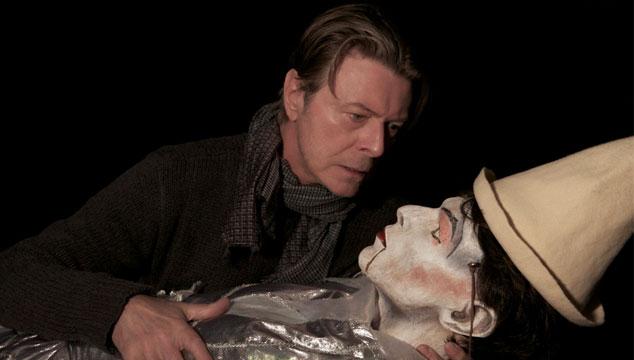 """imagen David Bowie estrena nuevo videoclip para el remix de """"Love is Lost"""" que hizo James Murphy"""