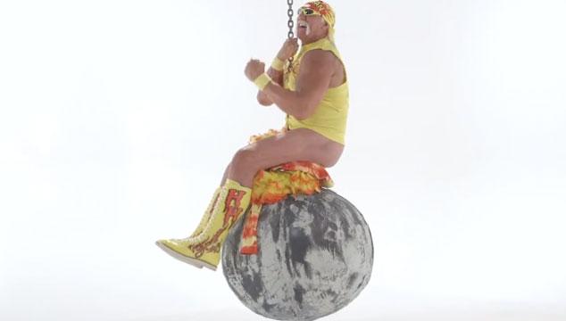 imagen Hulk Hogan hace una perturbadora parodia al video de Miley Cyrus