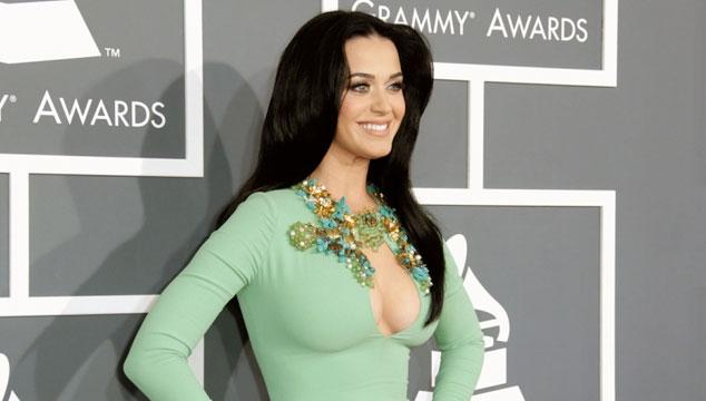 imagen Katy Perry confiesa que tiene mechones de cabello de Miley Cyrus y Taylor Swift en su cartera