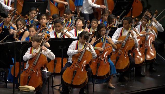 imagen La Orquesta Sinfónica Infantil de Venezuela tocará en el mundial Brasil 2014 junto a Plácido Domingo
