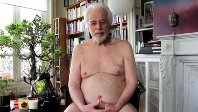 imagen Alejandro Jodorowsky se desnuda para presentar su nueva película 'La Danza de la Realidad' (VIDEO)