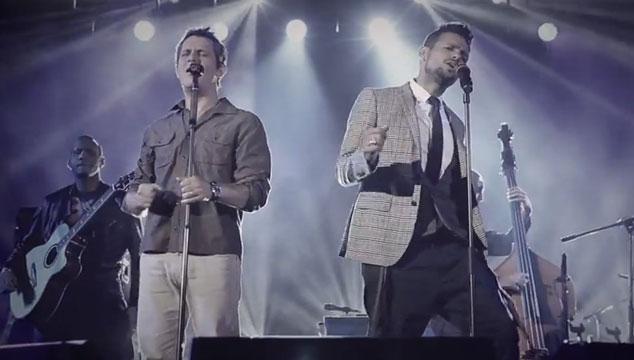 """imagen Draco Rosa estrena el videoclip de """"Cómo me acuerdo"""" junto a Alejandro Sanz"""