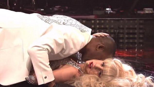 imagen Así fue la presentación de Lady Gaga en 'Saturday Night Live' (VIDEOS)