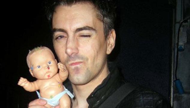 imagen Sentencian a 35 años de prisión a Ian Watkins de Lostprophets por pedofilia