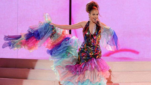 imagen Así fue el tributo a Celia Cruz que hizo Jennifer López en los AMA's (VIDEO)