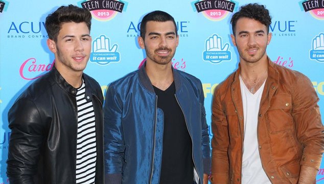 imagen Publican cinco canciones inéditas de los Jonas Brothers