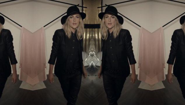 """imagen Metric estrena el videoclip de """"Synthetica"""""""