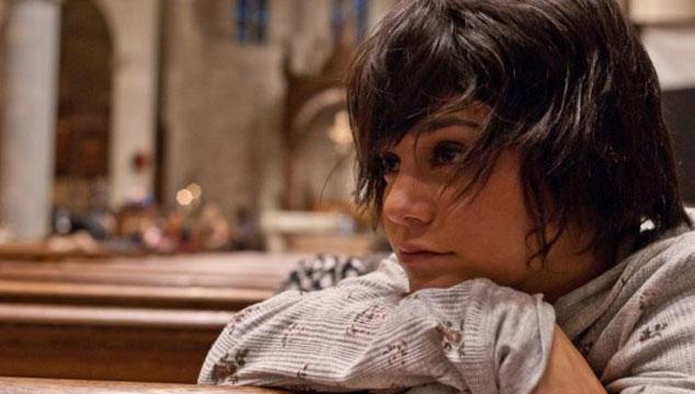imagen Vanessa Hudgens lucha con conflictos adolescentes en el nuevo tráiler de 'Gimme Shelter'