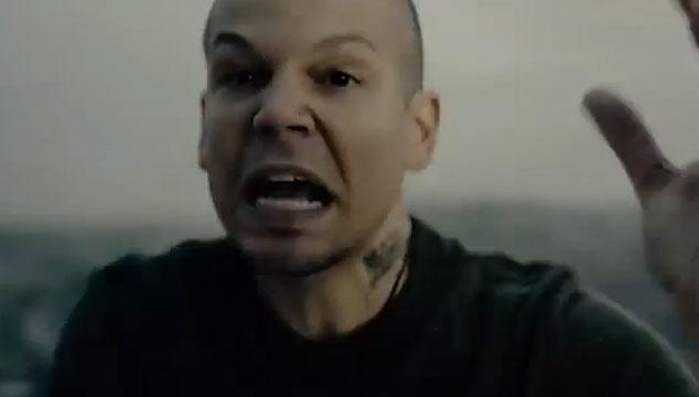 """imagen Calle 13 estrena el videoclip oficial de """"Multi_viral"""""""